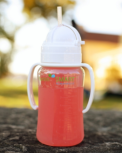 nursin smart silicone tube feeder and straw cup with juice
