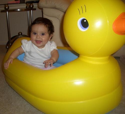 munchkin duck tub use (1)