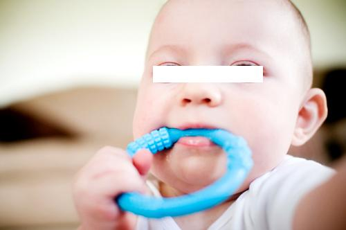 lifefactory teether in action