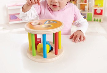 hapetoys-123-shape-sorter-use