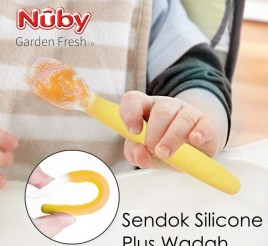 Nuby Silicone Spoon with Case